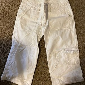 Abercrombie & Fitch white capris size 4